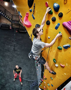Cliffhanges-Lead-Climber-01.jpg