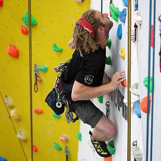 adult-climbing-experience-01_edited.jpg