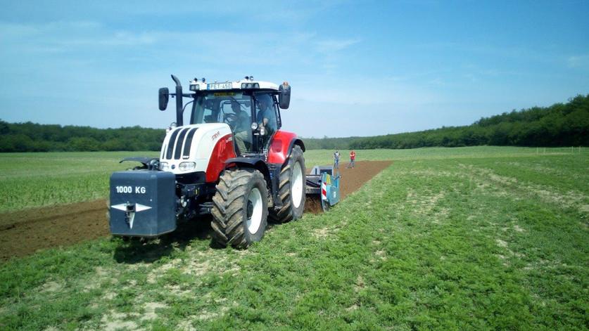 Egymenets talajművelés - VIDEÓ