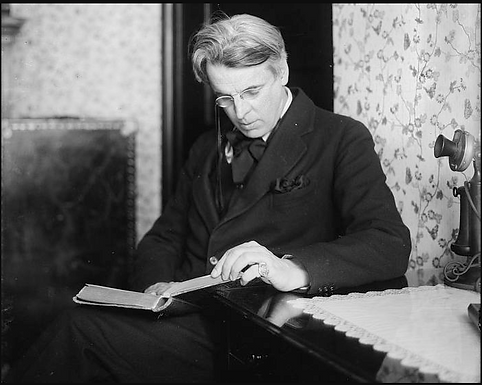 William B. Yeats: Communicating a Nationalist Identity through Poetry and Prose