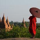 Monk S výhledem na chrám