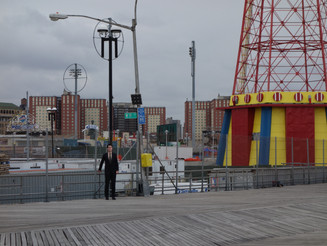 Dale Cooper is in Coney Island