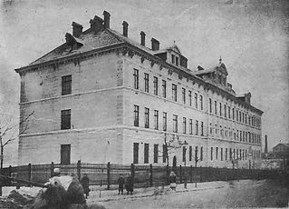 800px-Jan_III_Sobieski_School_in_Lwów_(1