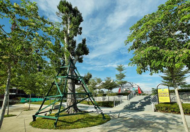 Tropicana Metropark (1).jpg