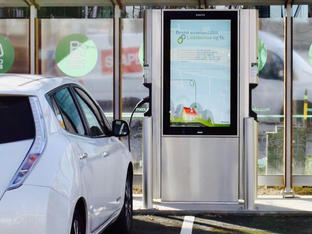 11 Reasons Why EV Charging and Digital Advertising is SMART Business for Shopping Centers and Parkin