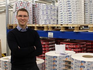 Lotta ottaa tilauksia vastaan Nordic Labelilla