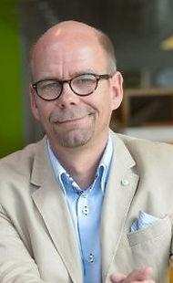 Juha-Pekka Pirvola, Myyntijohtaja, Matka