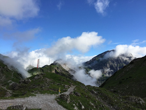 Bergbericht Tag 2: Von der Lamsenjochhütte zur Falkenhütte