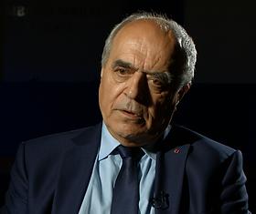 Alain Juillet pour le documentaire Guerre fantôme : la vente d'Alstom à General Electric