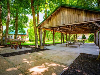 Outdoor seating wedding venue near Muncie