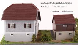 Landhaus mit Nebengebäude