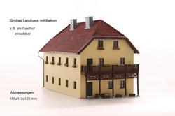 Großes Landhaus
