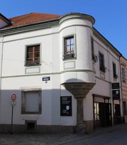 Vorbildfoto Eckhaus mit Erker