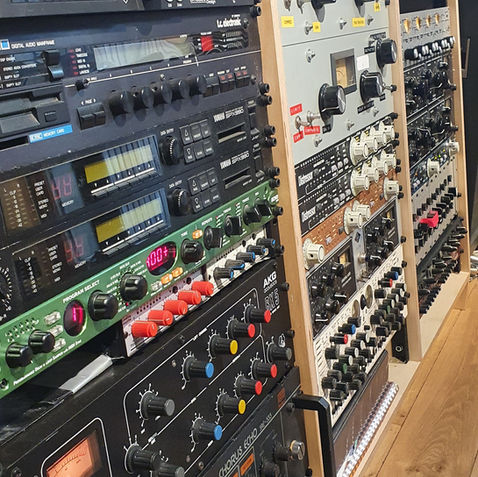 industrie standaard outboard, UA 610 - 711 - 1276, LA2A, bricasti, Imperical labs, Telefunken, Manley