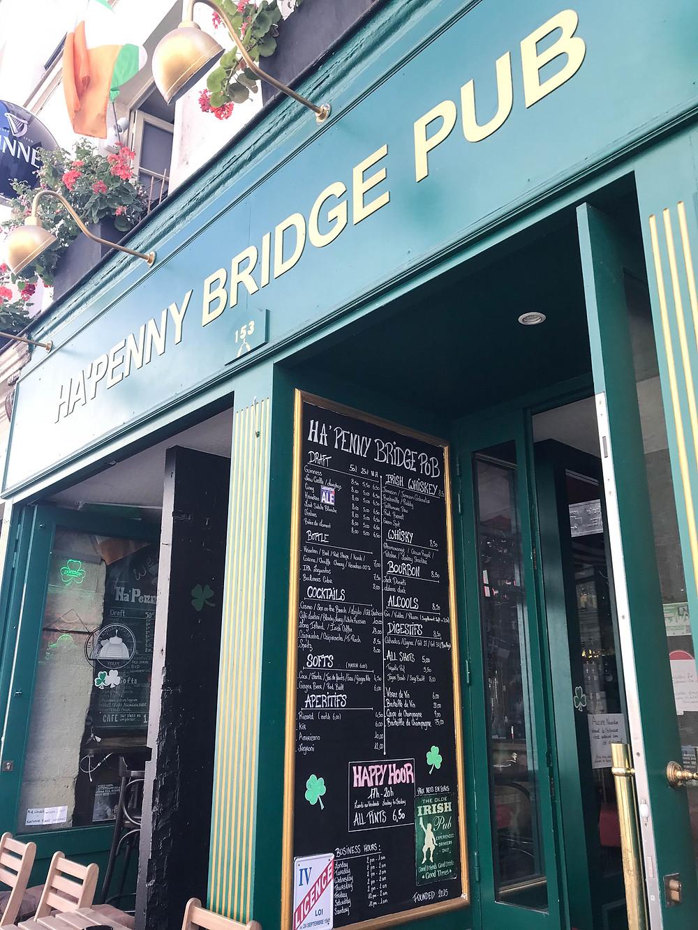 Ha Penny Bridge Pub, Paris, France