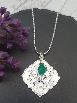 Collar Mandala Repujado Onix  Verde