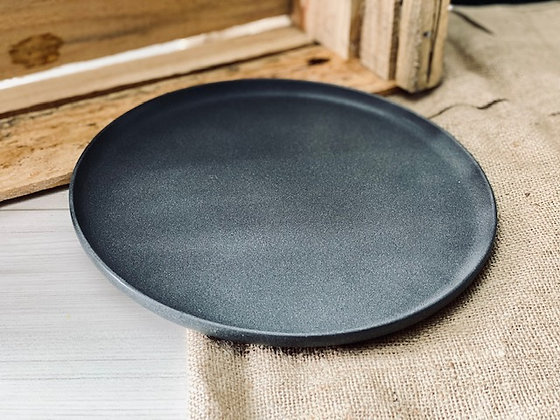 Plato fondo gris marengo