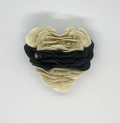 Corazón chico hojuelas redondas negro