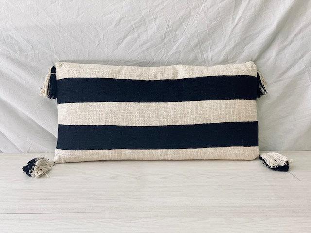 Cojín tejido rectangular B&W 25x60 cm