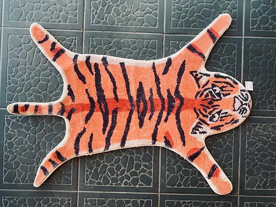 Alfombra tigre naranjo