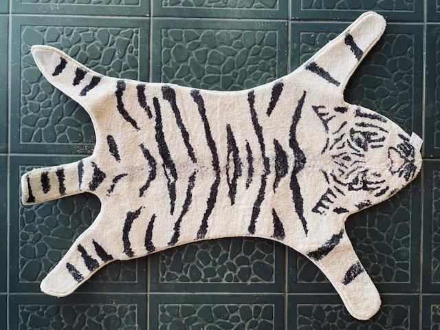 Alfombra tigre blanco