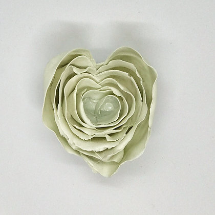 Corazón chico hojuelas cintas blanco mate