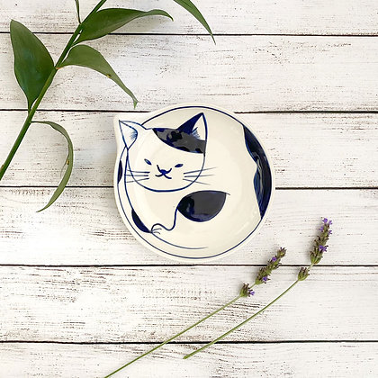 Plato gato blanco azul