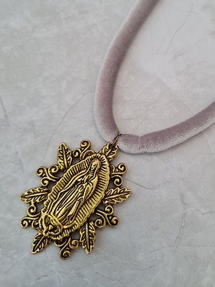 Virgen Guadalupe Terciopelo gris plata