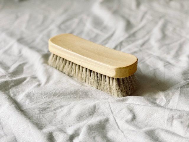 Escobilla ovalada madera