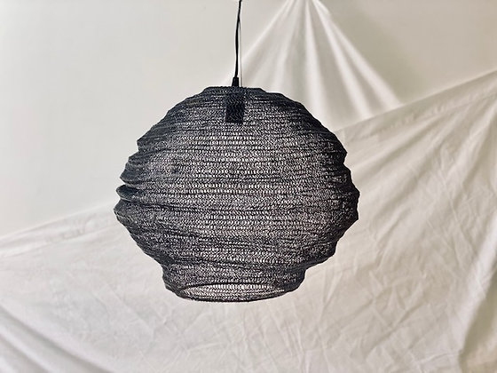 Lámpara alámbrica negra