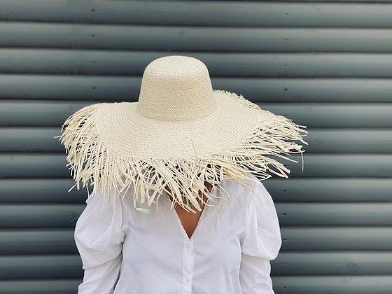 Sombrero flecos playa natural claro
