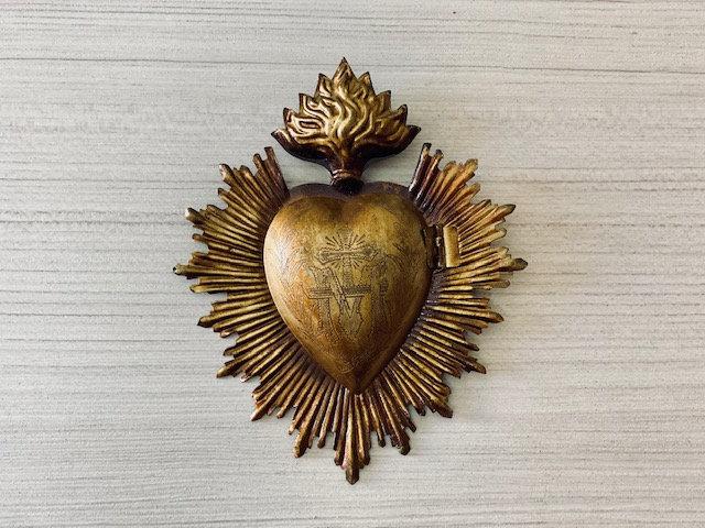 Corazón metal milagros con caja secreta