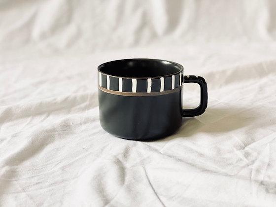 Taza  Ø 9 cm loza blanco y negro