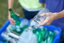 Las botellas de reciclaje