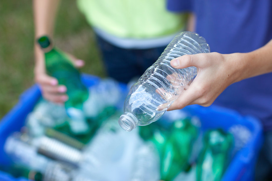Bottiglie di riciclaggio