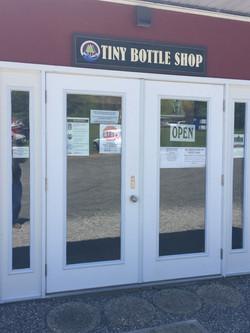 Tiny Bottle Shop_StoreFront_IMG_3215