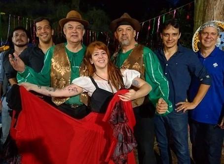 Banda Gypsy Wal Hei e Seus Irmãos