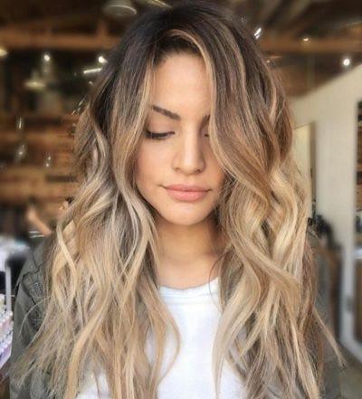hairstyles-ideas-beach-hairstyle-wavy-hair-beach-wavy-hairstyle-long-beach-waves-hairstyleslong-beach-waves-hairstyles-suitable-for-confidence-400x493_edited.jpg