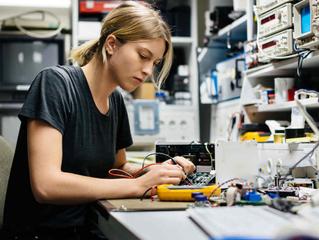 Día Internacional de la Mujer. La Ingeniería necesita el 100% del talento.