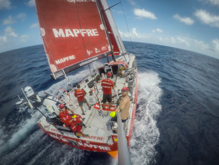 Crónica de la Jornada del 27 de abril de 2015. La industria náutica y las competiciones de vela. Vol