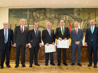 Nombramiento Miembro de Honor a D. Ignacio Sánchez Galán y D. Jorge Sendagorta Gomendio por el Insti
