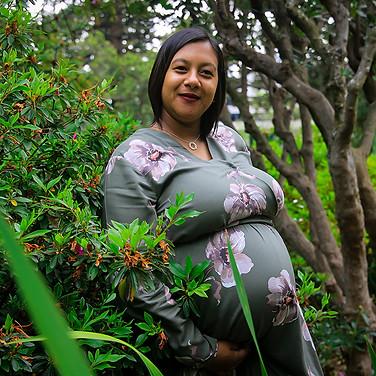 Raessa's Maternity Shoot