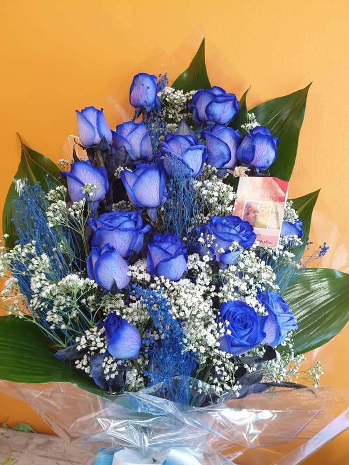 Rosas azuis