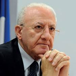 """Governo, De Luca paragona Draghi a Cristo: """"Votato al martirio"""""""