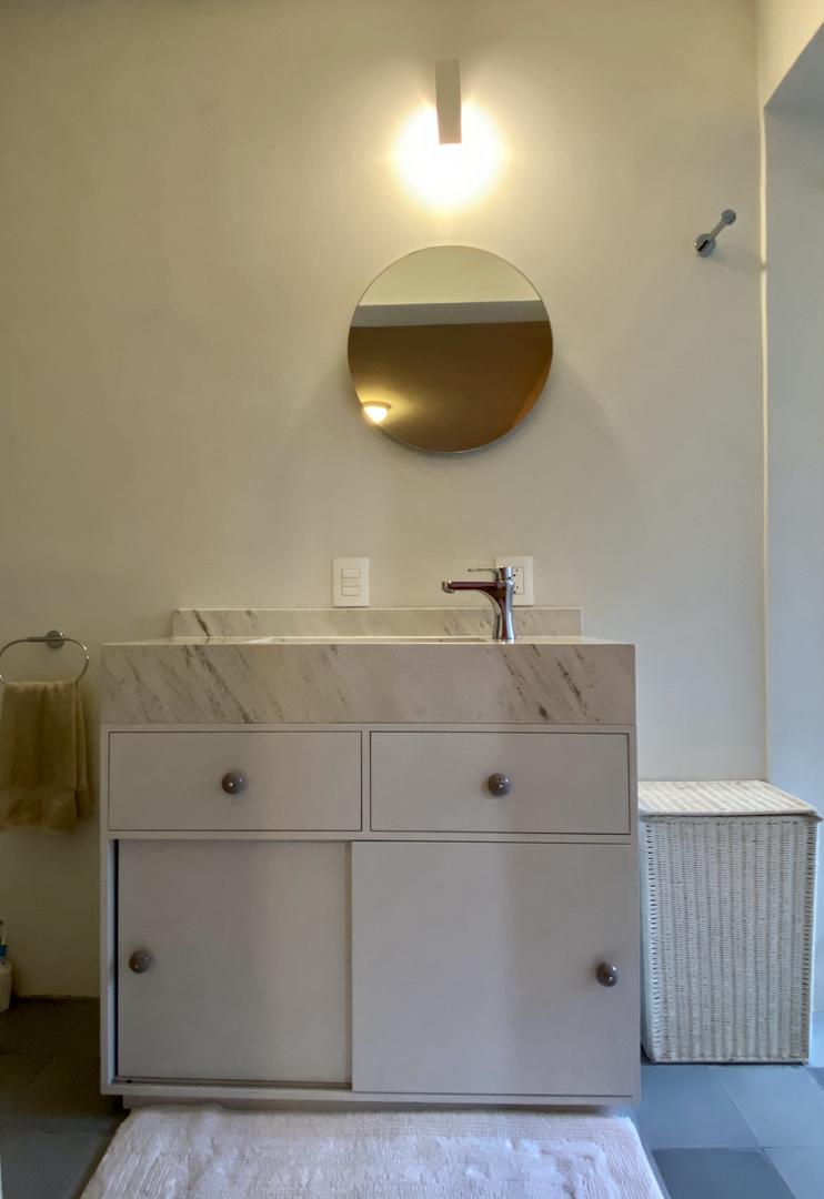 Mueble de baño laqueado