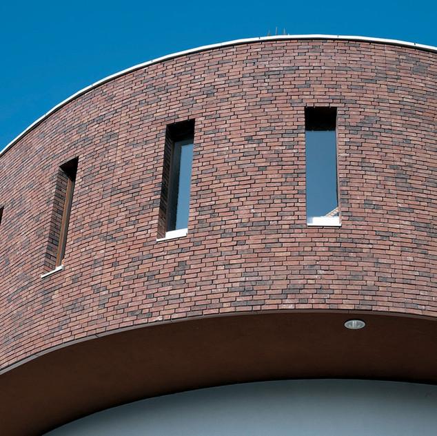 Referenční-stavba-z-lícových-cihel-PASTO