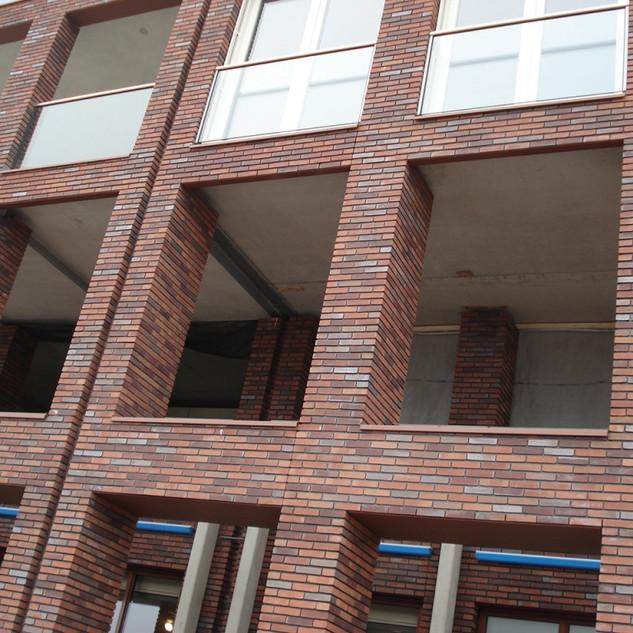 Referenční-stavba-z-lícových-cihel-PASSI