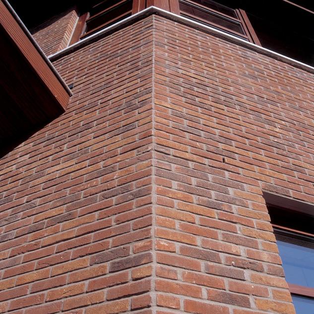Referenční-stavba-z-lícových-cihel-OLM-O