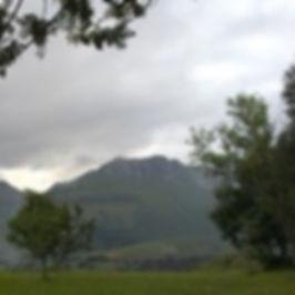 Paisaje de Valles pasiegos editado.jpg