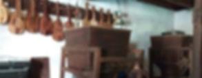 Rabeles artesanos en Cantaria. Visita a artesano del rabel